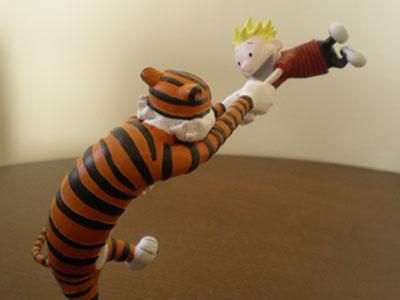 Hobbes swinging Calvin