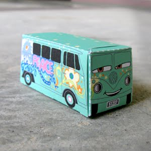 http://superpunch.blogspot.com/2010/01/papercraft-fillmore-from-cars-link.html